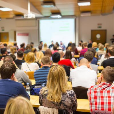 El DOCM publica este lunes la convocatoria para grupos de trabajo y seminarios que se van a desarrollar este curso