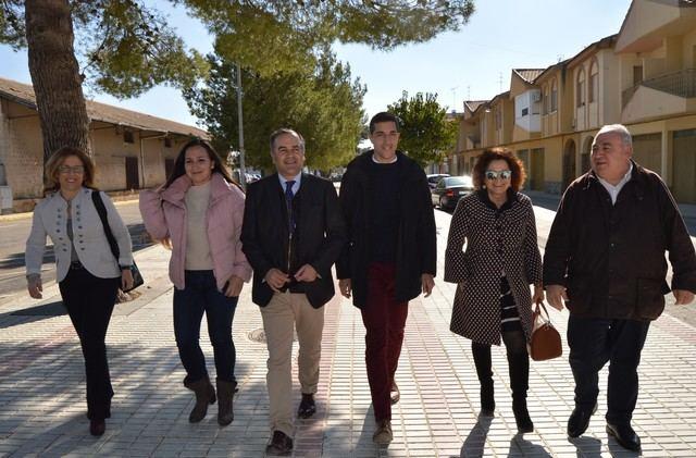 Gregorio, Tirado, Riolobos y Ali?a con concejales del PP en Villacan?as.