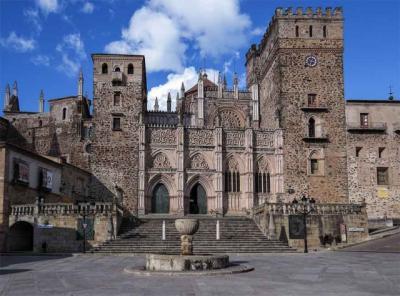 El arzobispo y la Eutanasia; y Bellas Artes y Guadalupe