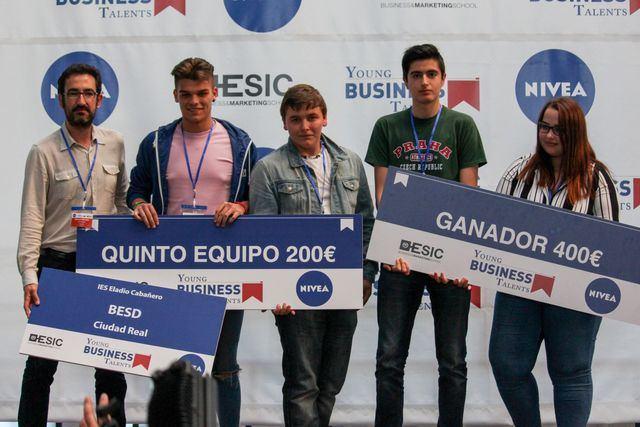 Estudiantes castellano-manchegos, quintos clasificados en la final de Young Business Talents