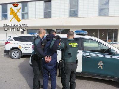ILLESCAS | 5 detenidos por robo con violencia e intimidación en un domicilio