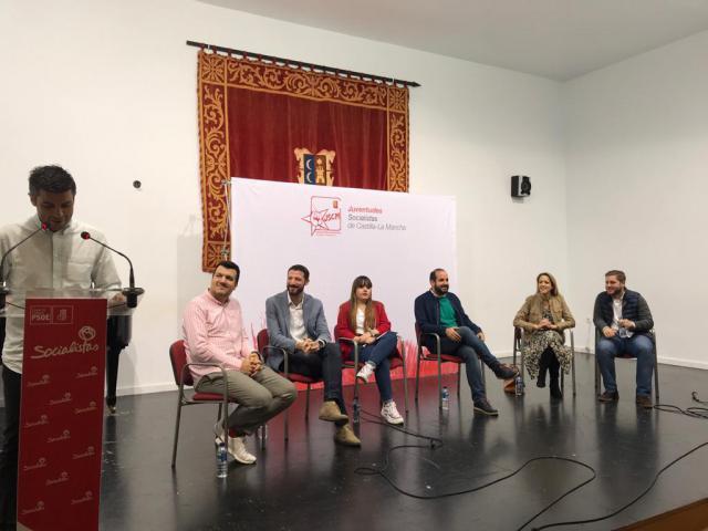 El PSOE alardea en Campo de Criptana de estar al lado de los problemas de la juventud