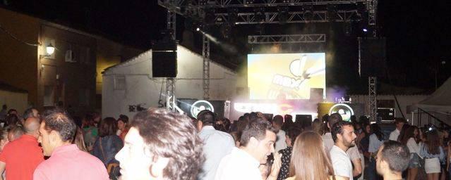 Los jóvenes de Pepino disfrutaron del concierto de la Máxima FM