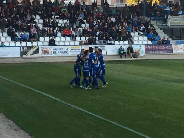 El CF Talavera se impone 2-0 al Unión Adarve