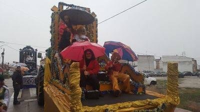 La ilusión por ver a los Reyes Magos vence a la lluvia en Cazalegas