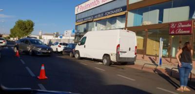 Choque entre un turismo y una furgoneta en la avenida Francisco Aguirre