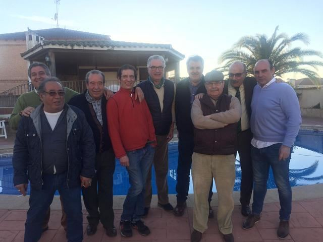Francisco Ramos da la bienvenida al nuevo año con una reunión con amigos