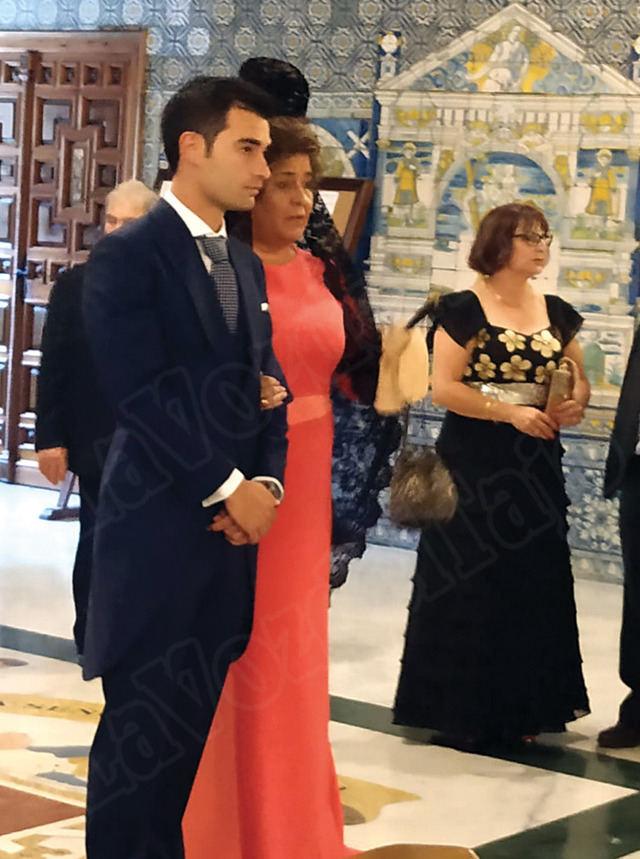 El futbolista Manuel Trigueros y Marta Rubert se han casado en Talavera