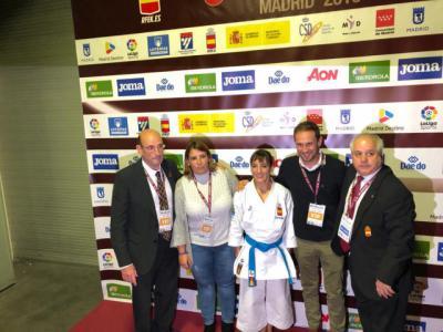 Tita ha acudido a felicitar en persona a la campeona talaverana.