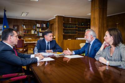 El delegado del Gobierno en CLM traslada a Ramos el compromiso de Fomento con Talavera