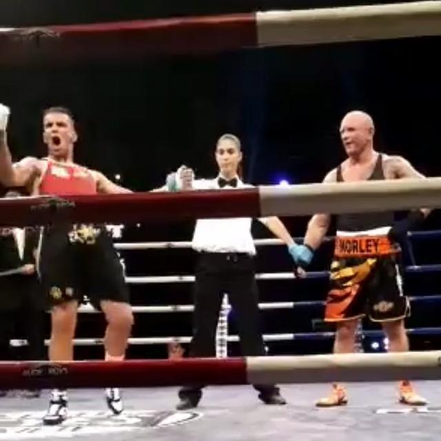 El boxeador talaverano Adam Trenado vence en Benidorm