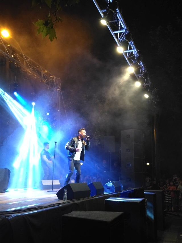 OBK hizo bailar a Talavera con su concierto en las fiestas del barrio 'Puerta de Cuartos'