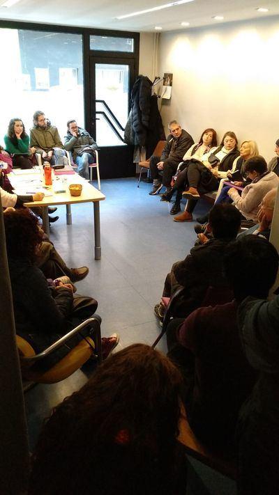 Una treintena de personas han acudido al I Encuentro Vecinal organizado Xtalavera