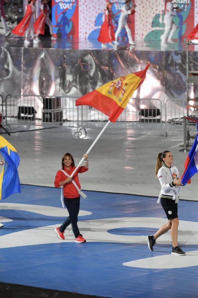 La talaverana Sandra Sánchez, abanderada en la clausura de los Juegos Europeos