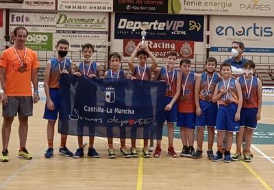 El club Amigos del Baloncesto Talavera, campeón de CLM