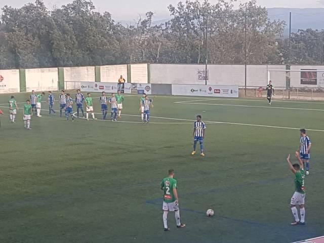 Un Talavera sin puntería firma un empate sin goles ante el CD Guijuelo