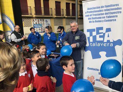 Éxito del mercadillo solidario del Colegio Juan Ramón Jiménez a favor de TEA Talavera