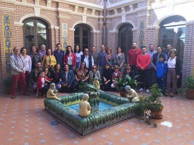 El Colegio Juan Ramón Jiménez de Talavera reúne a sus antiguos alumnos