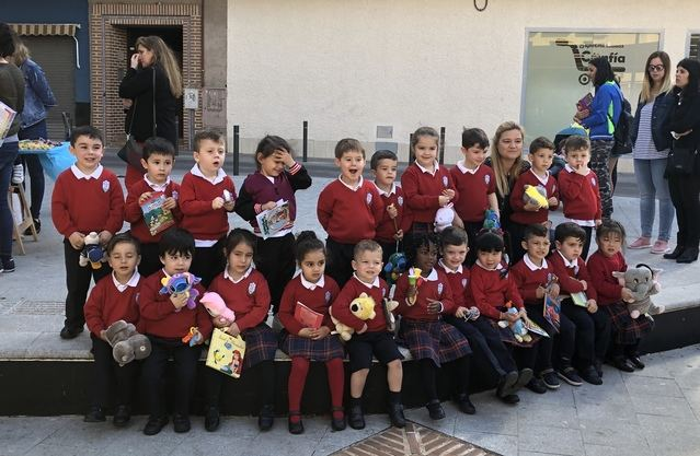 El AMPA EL SALVADOR del colegio Juan Ramón Jiménez organiza su ya tradicional Mercadillo solidario