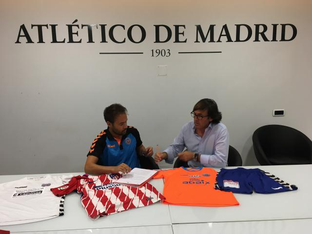 El C.F. Elite Talavera y el Atlético de Madrid firman un convenio