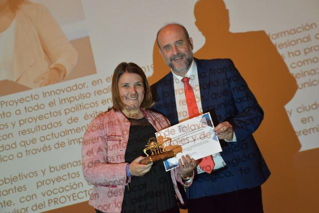 Los Ingenieros Técnicos de Telecomunicaciones de CLM premian al ayuntamiento de Talavera