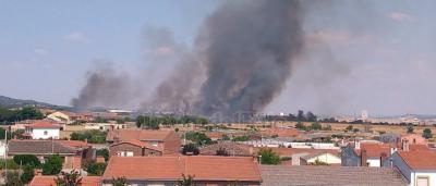 VIDEO | Espectacular incendio agrícola en Gamonal (Toledo)