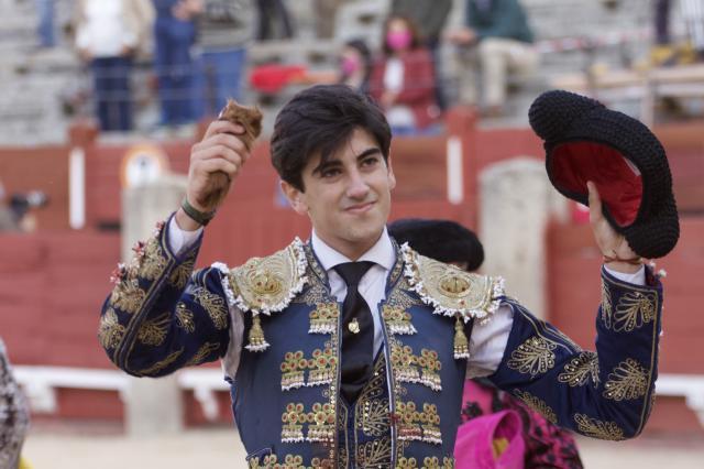 El talaverano pasea su trofeo en Toledo