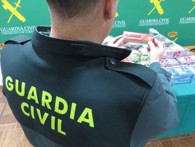 La Guardia Civil denuncia a una pirotecnia por suministrar artificios pirotécnicos fuera de un punto de venta autorizado