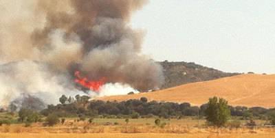 Impresionante incendio en La N-502 junto a Resty, S.A.