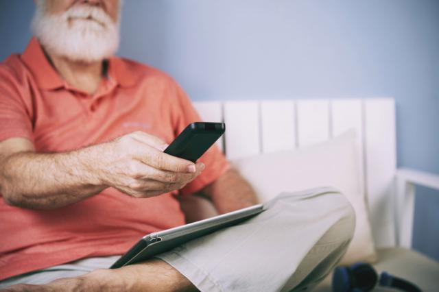 Uno de cada cinco mayores de 65 años pasará las navidades solo