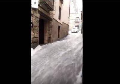 Vídeo. Los Bomberos de Toledo realizan un total de 22 salidas para atender las incidencias de las fuertes lluvias