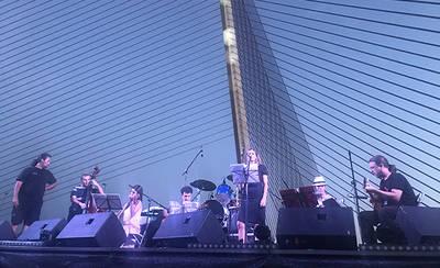 Cientos de personas inauguran el XV Festival de Jazz a orillas del Tajo