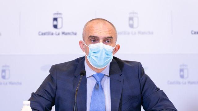 El director general de Salud Pública, Juan Camacho, en rueda de prensa. - JCCM