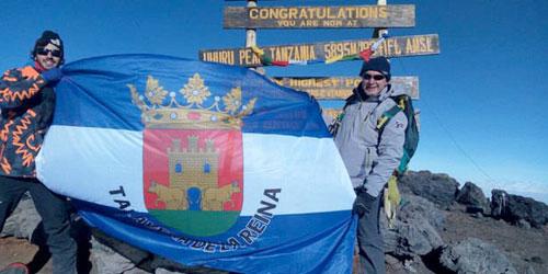 El talaverano Guillermo Cid Acevedo corona el 'Kilimanjaro'
