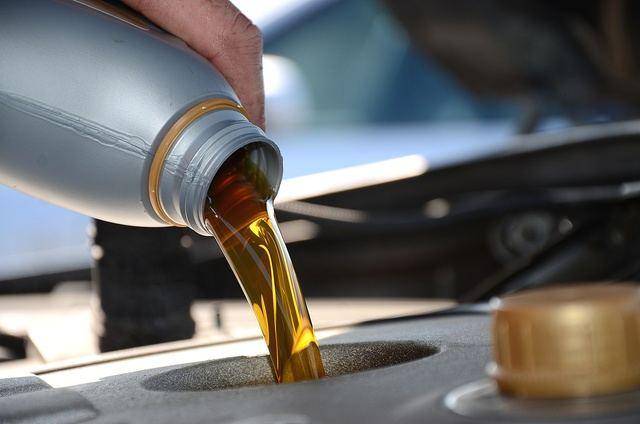 Más de 4.500 establecimientos castellanomanchegos evitan la contaminación de aceites usados