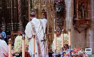 Un talaverano, encargado de depositar la Sagrada Forma en la Custodia de Toledo