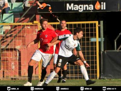 FÚTBOL   El nuevo CF Talavera conquista Emérita Augusta