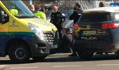 TALAVERA | Un vehículo se da a la fuga tras atropellar a un motorista en pleno centro