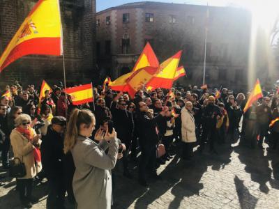 Cientos de personas se concentran en la región para exigir a Sánchez que
