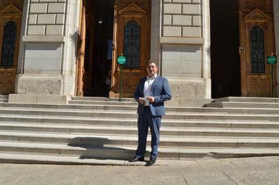Fernández pide al PSOE de la Diputación que no cierre la vivienda tutelada