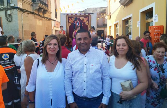 Aquí con el alcalde de Mejorada.