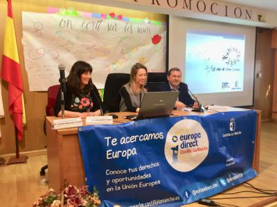 """La Junta acerca """"el arte de crear Europa"""" a las aulas de la región"""