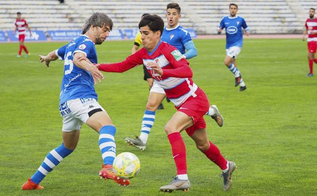El filial nazarí recibe este domingo a los cerámicos en un partido vital para ambos equipos.
