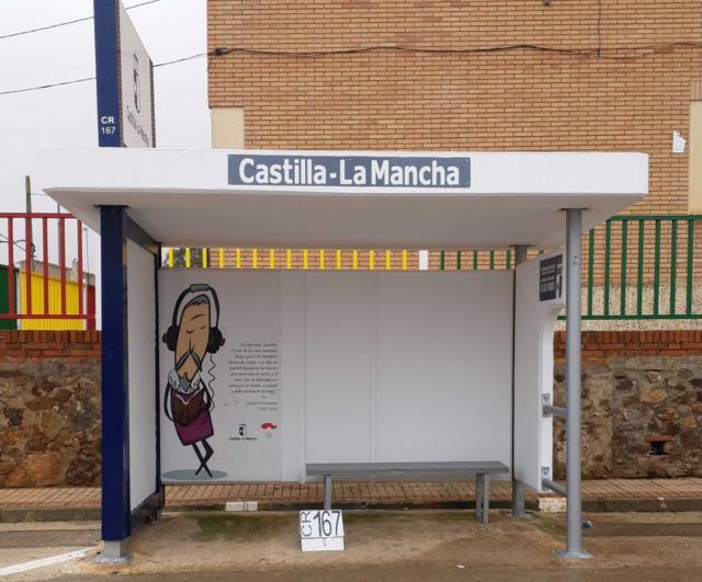 La Junta renueva 950 marquesinas en distintos puntos de la región
