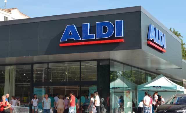 El nuevo supermercado de Aldi en Talavera arranca con gran éxito (VÍDEO)