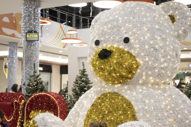 Los Alfares elige entre sus visitantes al protagonista del encendido del alumbrado de Navidad