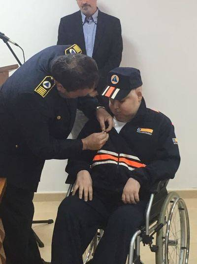 El joven Jesús García recibe la medalla de oro de Protección Civil a nivel nacional