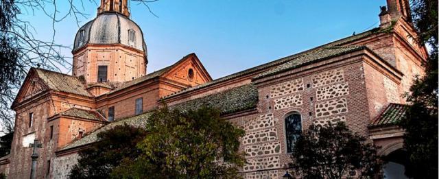 UGT pide al Ayuntamiento no cambiar el calendario de apertura en festivo para permitir apertura el día de la Virgen del Prado