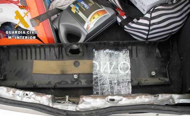 Detenidos en Otero con un kilo de cocaína oculto en el coche