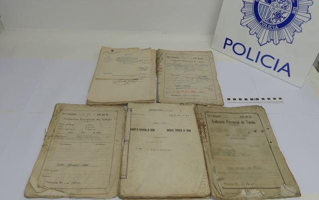 La Policía Nacional recupera tres lotes de documentos históricos